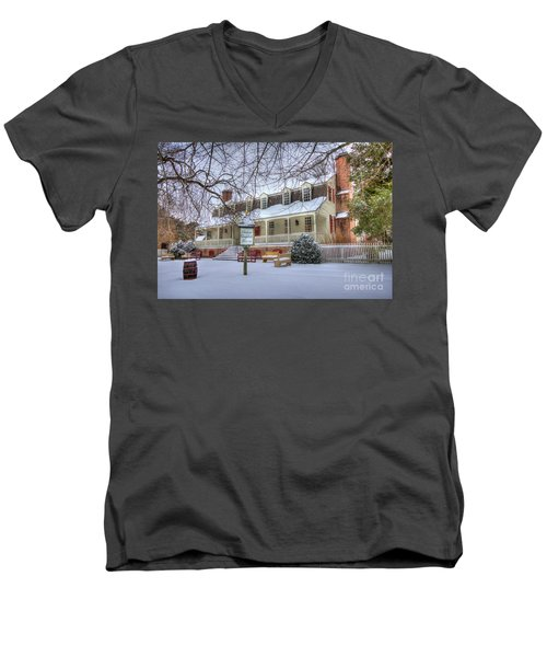 Christina Campbell Tavern Colonial Williamsburg Men's V-Neck T-Shirt