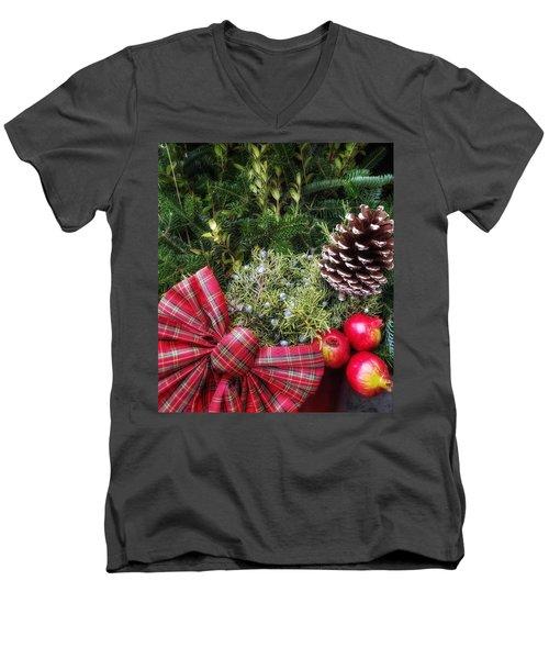 Christmas Arrangement Men's V-Neck T-Shirt