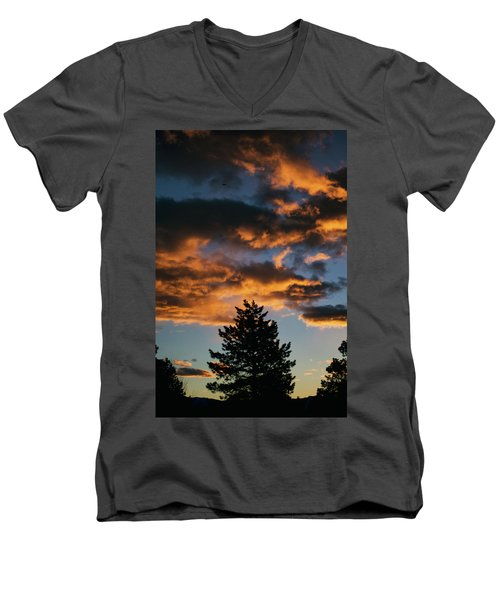 Christmas Eve Sunrise 2016 Men's V-Neck T-Shirt