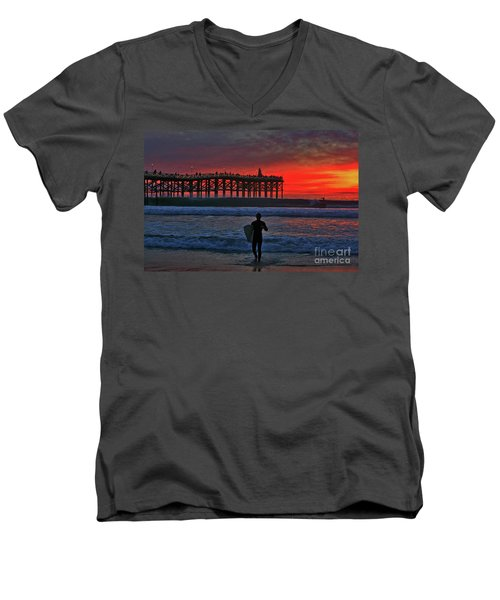 Christmas Surfer Sunset Men's V-Neck T-Shirt