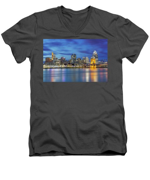 Cincinnati, Ohio Men's V-Neck T-Shirt