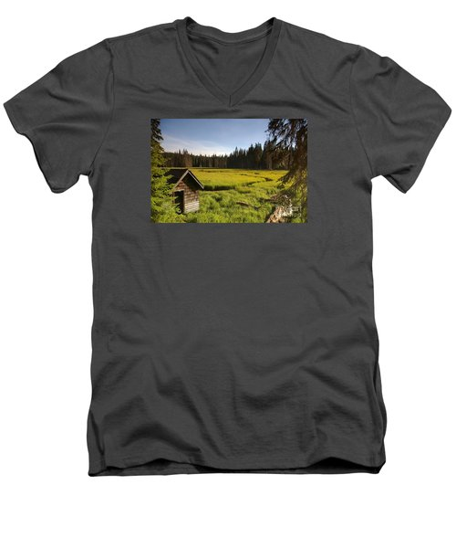 Clackamas Meadow Pump House- 2 Men's V-Neck T-Shirt