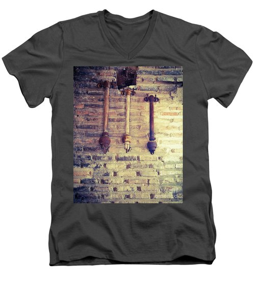 Clappers Men's V-Neck T-Shirt