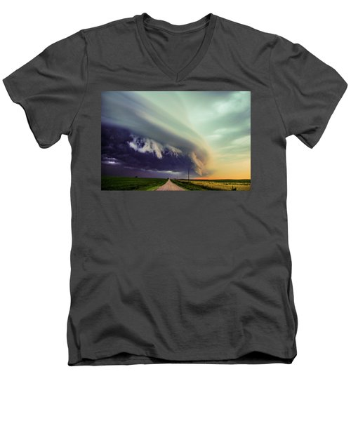 Classic Nebraska Shelf Cloud 024 Men's V-Neck T-Shirt