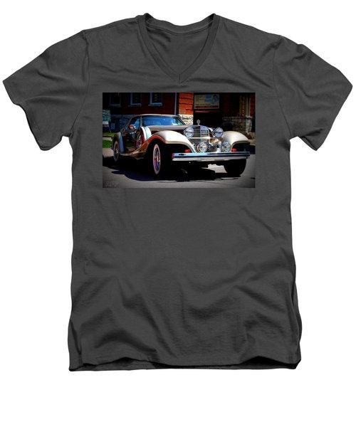 Classic Streets Men's V-Neck T-Shirt by Al Fritz