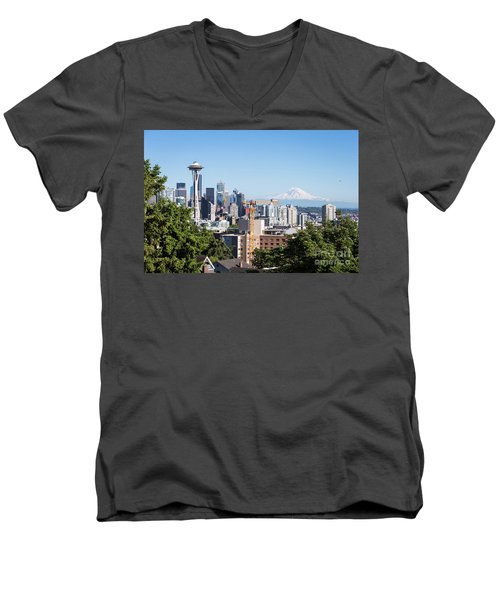 Classic View Of Seattle, Usa Men's V-Neck T-Shirt