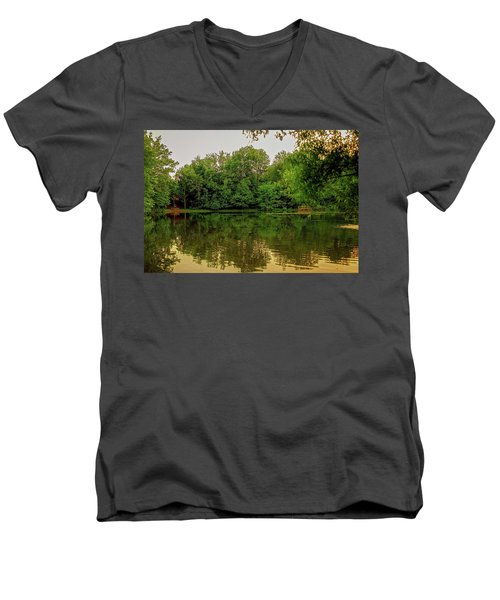 Closter Nature Center Men's V-Neck T-Shirt