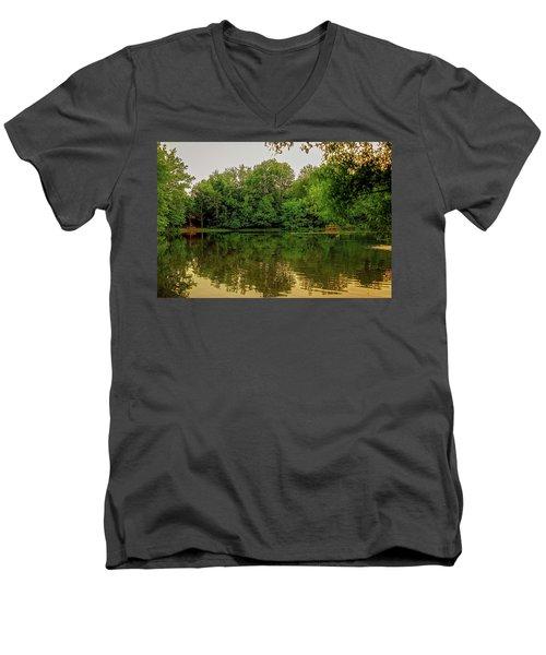 Closter Nature Center Men's V-Neck T-Shirt
