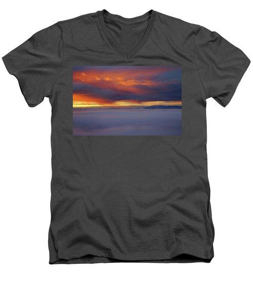 Cloud Layer Sunrise At Dead Horse Point State Park Men's V-Neck T-Shirt