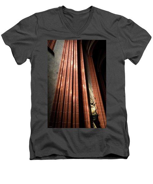 Cologne Cathedral Men's V-Neck T-Shirt