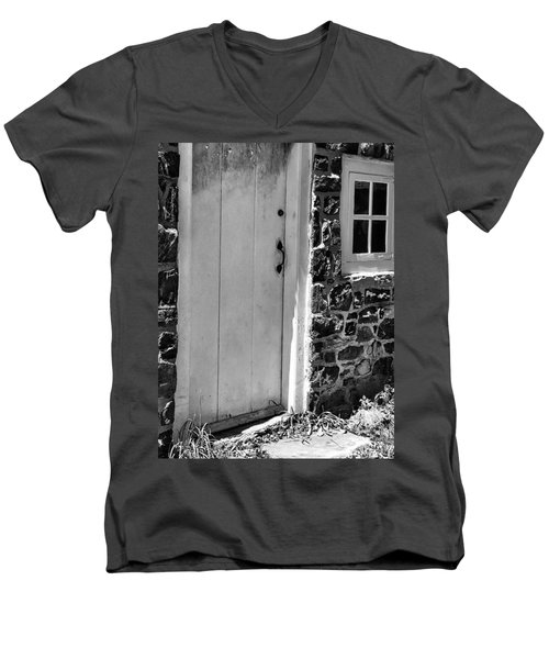 Colonial Entry Men's V-Neck T-Shirt