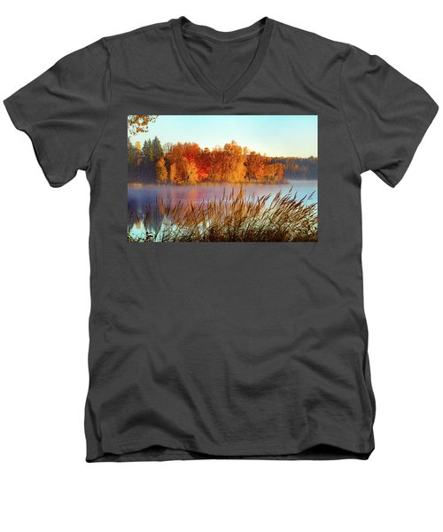Colorful Dawn On Haley Pond Men's V-Neck T-Shirt