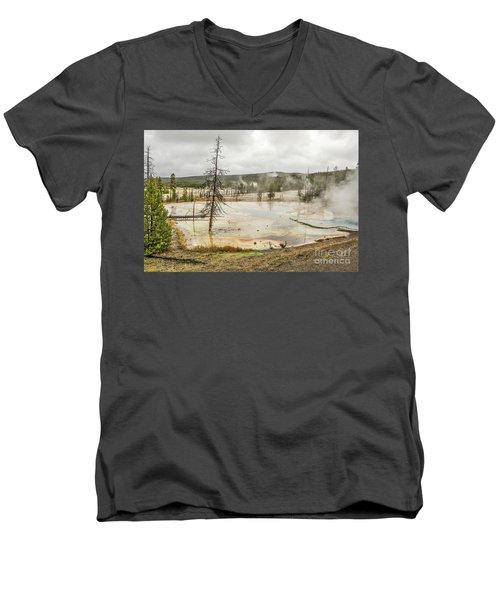 Colorful Thermal Pool Men's V-Neck T-Shirt