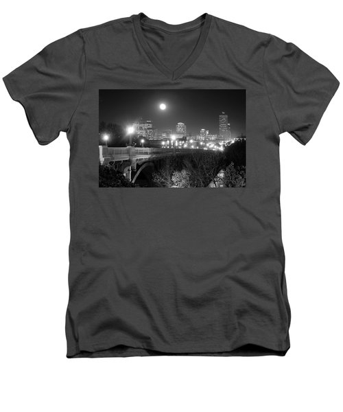 Columbia Skyline At Night Men's V-Neck T-Shirt