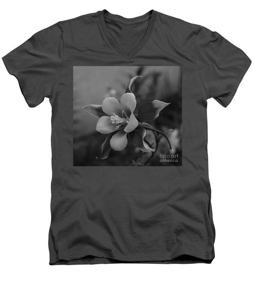 Columbine  Bw Men's V-Neck T-Shirt
