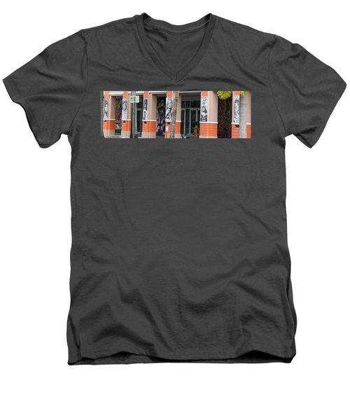Columnart Men's V-Neck T-Shirt