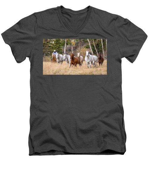 Come Running Men's V-Neck T-Shirt