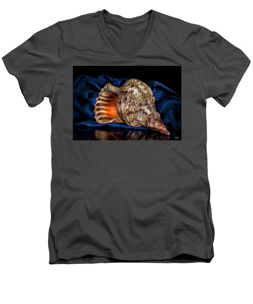 Conch Shell Men's V-Neck T-Shirt
