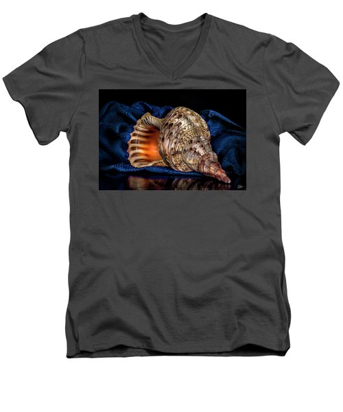 Conch Shell Men's V-Neck T-Shirt