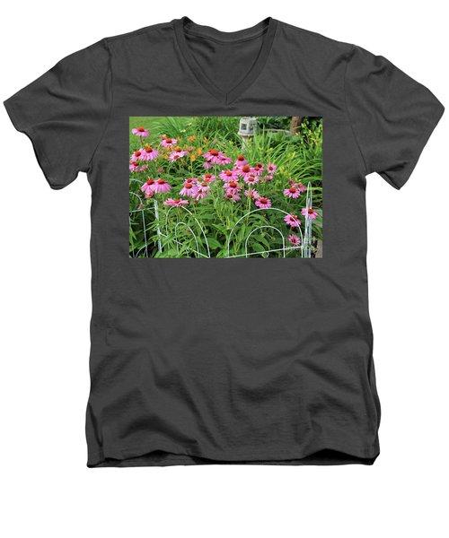Cone Plants Men's V-Neck T-Shirt