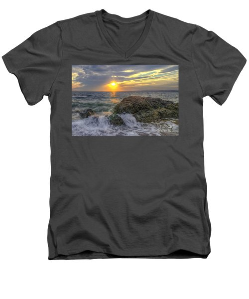 Connecticut Sunset Men's V-Neck T-Shirt