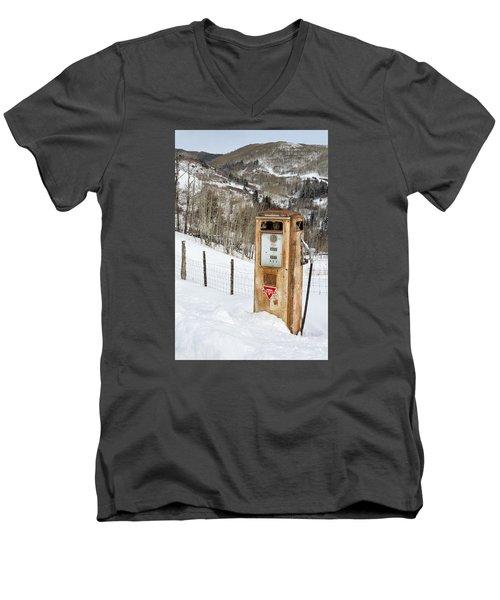 Conoco In The Snow Men's V-Neck T-Shirt
