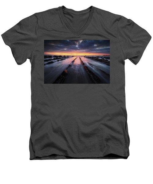 Converging To The Light Men's V-Neck T-Shirt