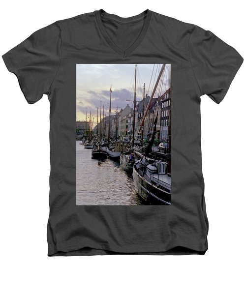 Copenhagen Quay Men's V-Neck T-Shirt