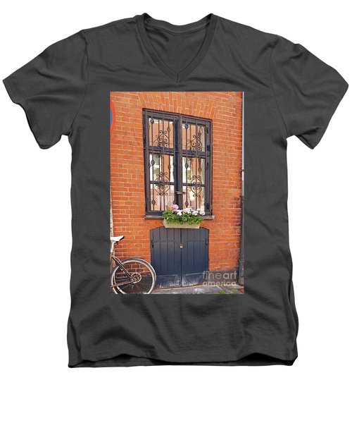 Copenhagen Window Men's V-Neck T-Shirt