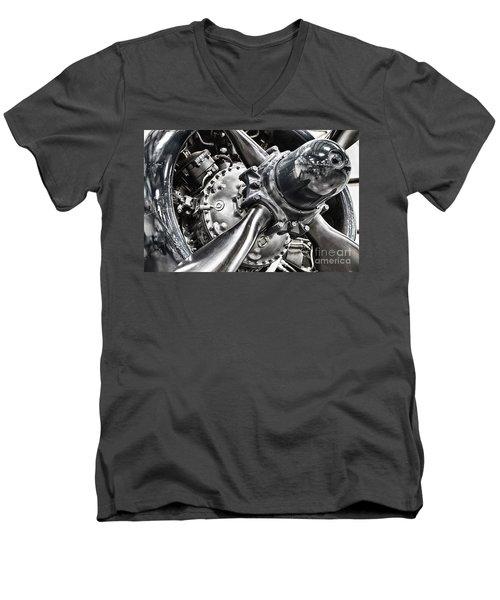 Corsair F4u Engine Men's V-Neck T-Shirt