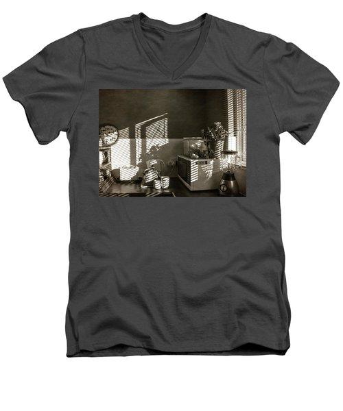 Cosy Corner Men's V-Neck T-Shirt