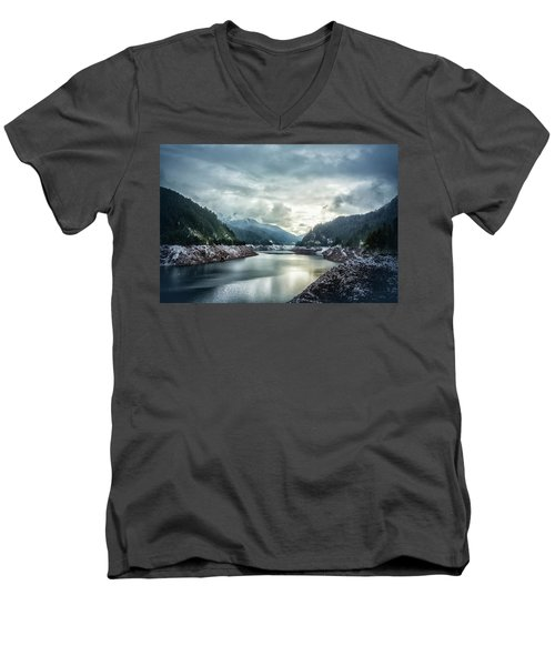 Cougar Reservoir On A Snowy Day Men's V-Neck T-Shirt