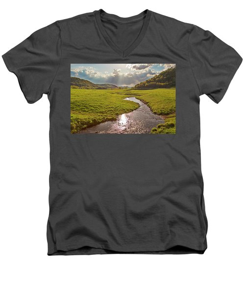 Coulee View Men's V-Neck T-Shirt