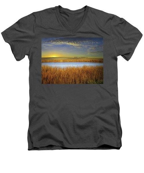 Country Field 2 Men's V-Neck T-Shirt
