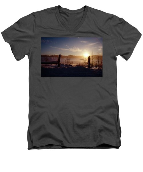 Country Winter Sunset Men's V-Neck T-Shirt