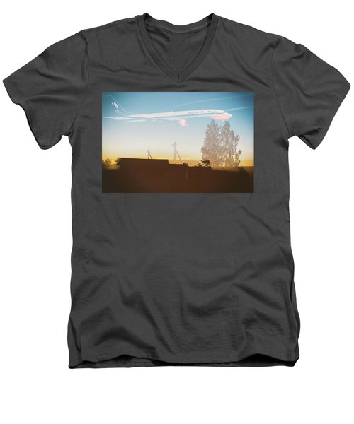 Countryside Boeing Men's V-Neck T-Shirt