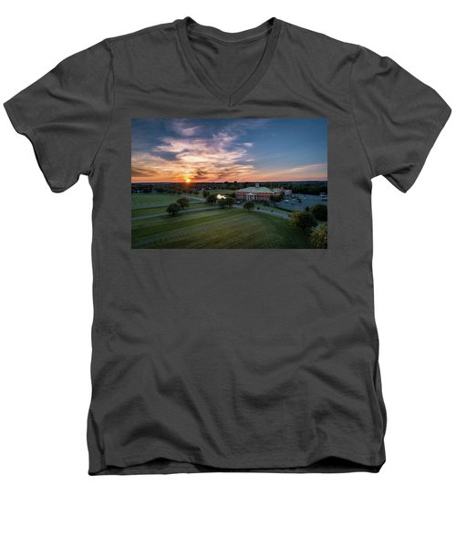 Courthouse Sunset Men's V-Neck T-Shirt