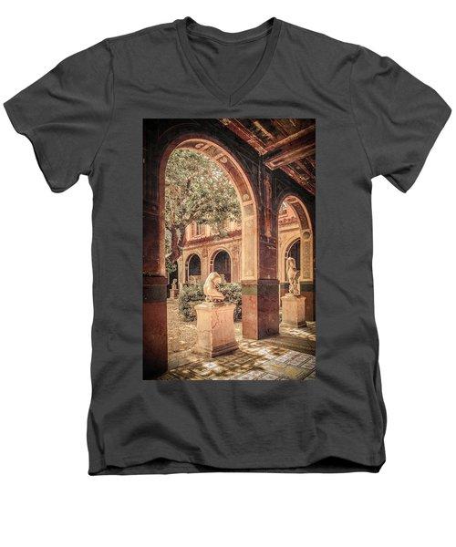 Paris, France - Courtyard West - L'ecole Des Beaux-arts Men's V-Neck T-Shirt