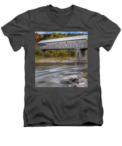 Covered Bridge In Vermont With Fall Foliage Men's V-Neck T-Shirt