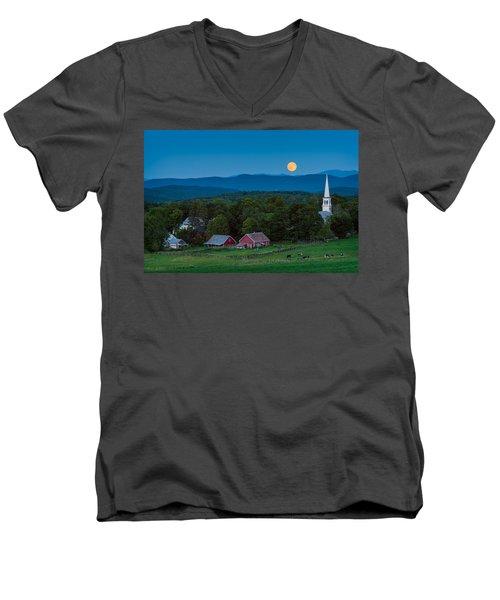 Cow Under The Moon Men's V-Neck T-Shirt