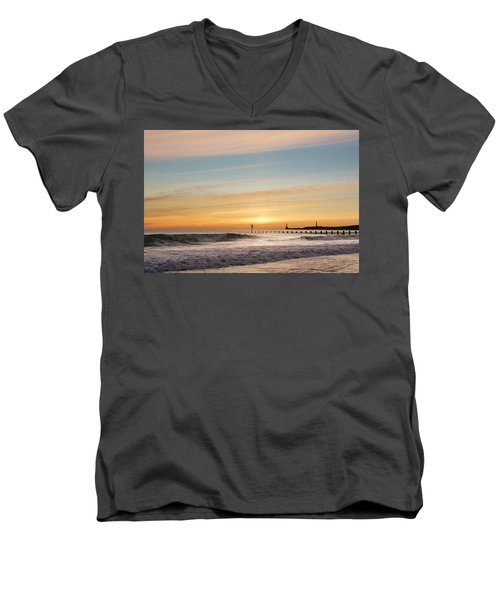 Crashing Waves At Aberdeen Beach Men's V-Neck T-Shirt