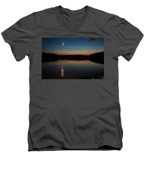 Crescent Moon Set At Lake Chesdin Men's V-Neck T-Shirt