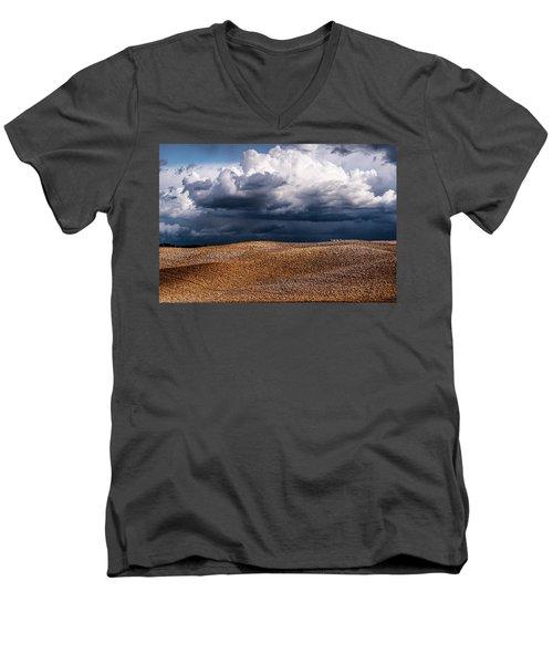 Crete Senesi Men's V-Neck T-Shirt