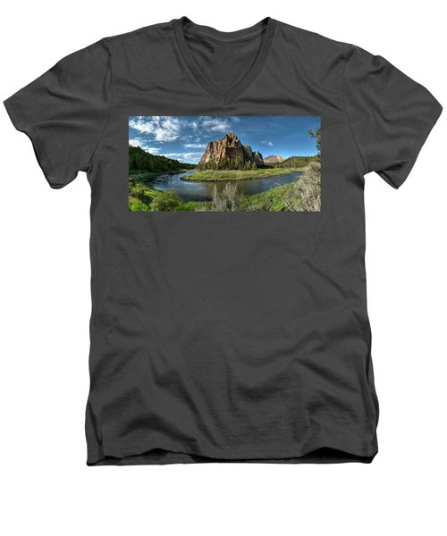 Crooked River And Smith Rock Men's V-Neck T-Shirt