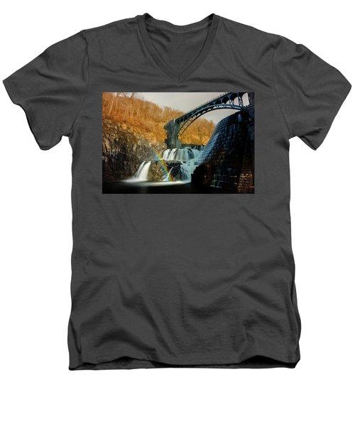 Croton Dam Rainbow Spray Men's V-Neck T-Shirt