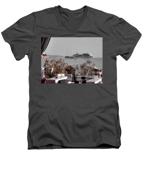 Cruising Past And Present Men's V-Neck T-Shirt