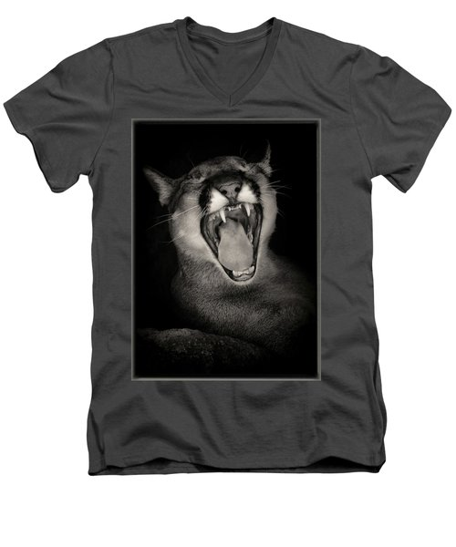 Cruz Yawning Men's V-Neck T-Shirt