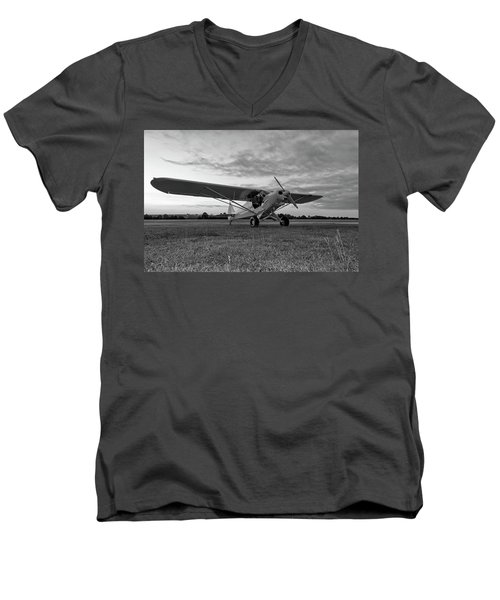 Cub At Daybreak Men's V-Neck T-Shirt
