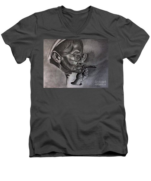 Cuban Old Lady Men's V-Neck T-Shirt