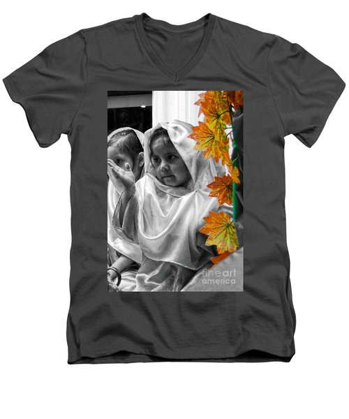 Men's V-Neck T-Shirt featuring the photograph Cuenca Kids 885 by Al Bourassa